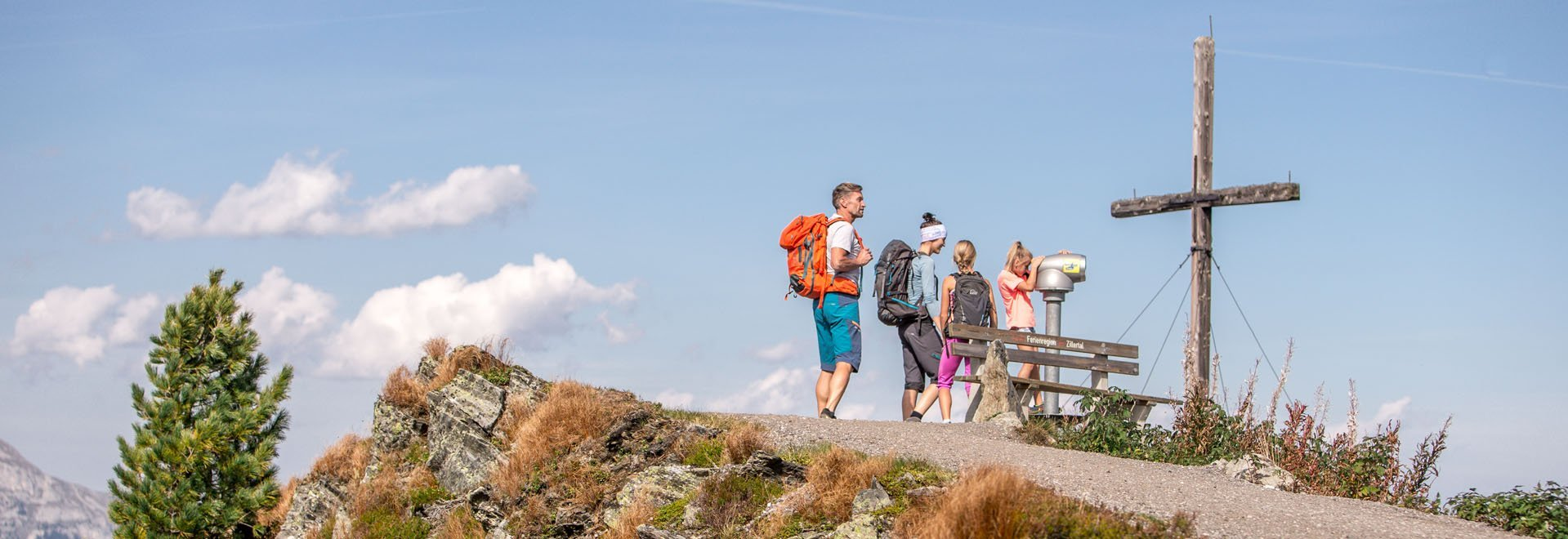 Wandern zum Gipfel am Spieljoch