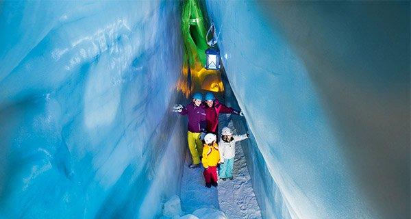 Blaue Kammer im ewigen Eis