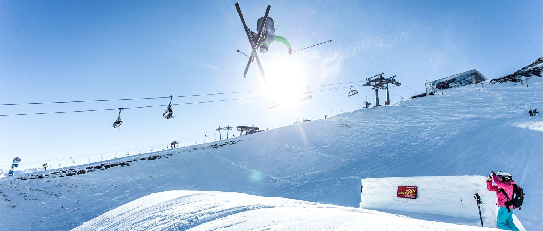 Freeskier im Skigebiet Hochzillertal Betterpark