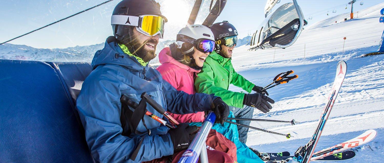 Spaß beim Liftfahren im Skigebiet Hochfügen