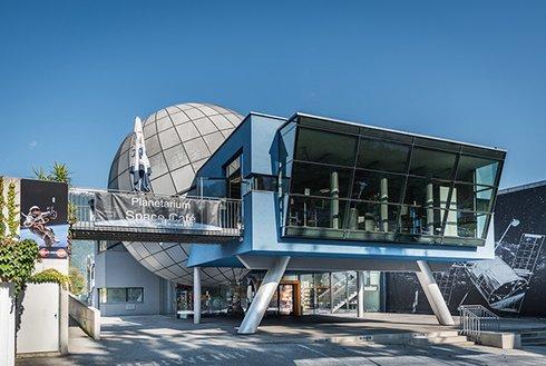 Außenansicht Planetarium Tirol