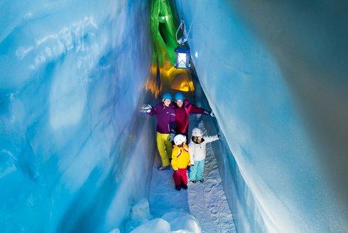 Führung durch Natur Eis Palast im Zillertal