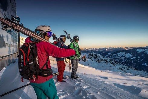 Sonnenaufgang im Skigebiet Hochzillertal
