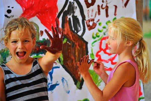 Kinderfest Aschau Kinder beim Malen