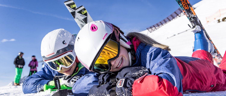 Spaß Skifahren Kinder im Skigebiet Hochzillertal