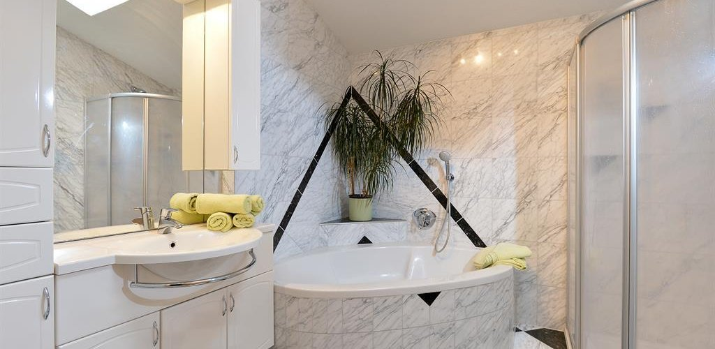 Appartement-Top1-Badezimmer.jpg