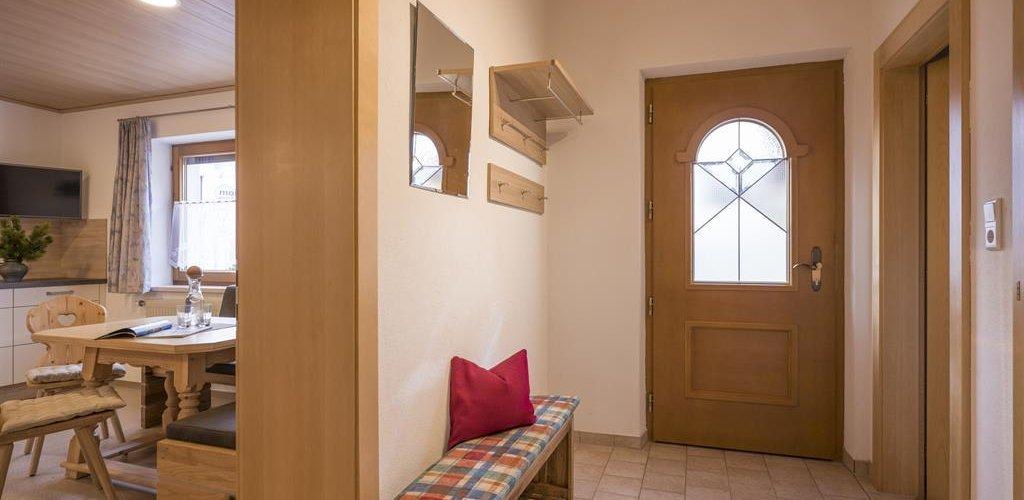 Apart-5-Garderobe.jpg