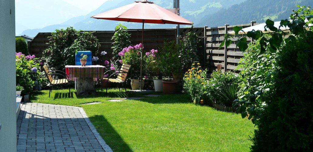 Garten-mit-sitzecke.jpg
