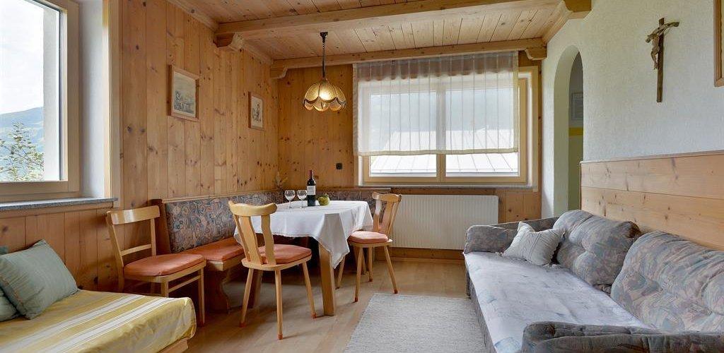 Wohnung-1-Wohnzimmer.jpg